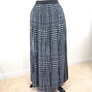 Valerie Stevens Pleated Plaid Maxi Skirt Size S